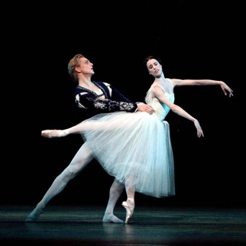 Maria Riccetto and David Hallberg in Giselle - photo Rosalie O'Connor