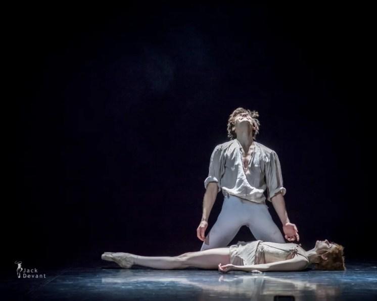 Alena Shkatula and Friedemann Vogel in Manon, Estonian National Ballet