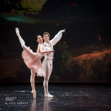 Viktoria Tereshkina and Vladimir Shklyarov in Tchaikovsky Pas de Deux, Dance Open 2014