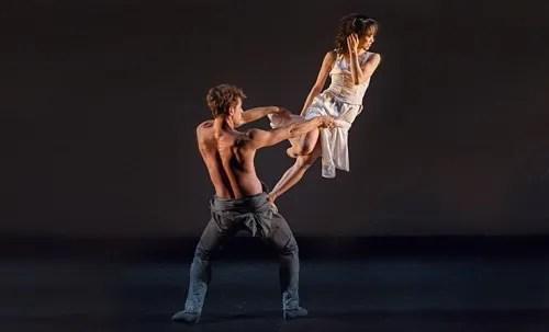 Erina Takahashi and James Forbat performing in Choreographics 2014 - photo © Photography by ASH