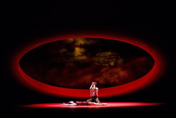 Carmen - Carlos Acosta as Don José, Marianela Nuñez as Carmen - ©ROH. Photographed by Tristram Kenton
