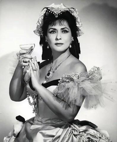 Virginia Zeani in La traviata at the Metropolitan Opera, 1966 - photo by Louis Mélançon - Metropolitan Opera
