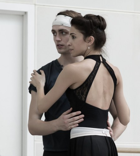 Yasmine Naghdi and Matthew Ball rehearsing Romeo and Juliet, Rehearsal photography by Andrej Uspenski ©ROH, 2015-04