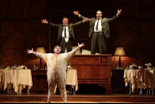 Falstaff - Nicola Alaimo (Sir John Falstaff), Patrizio Saudelli (Bardolfo), Giovanni Parodi (Pistola) @ Marco Brescia & Rudy Amisano