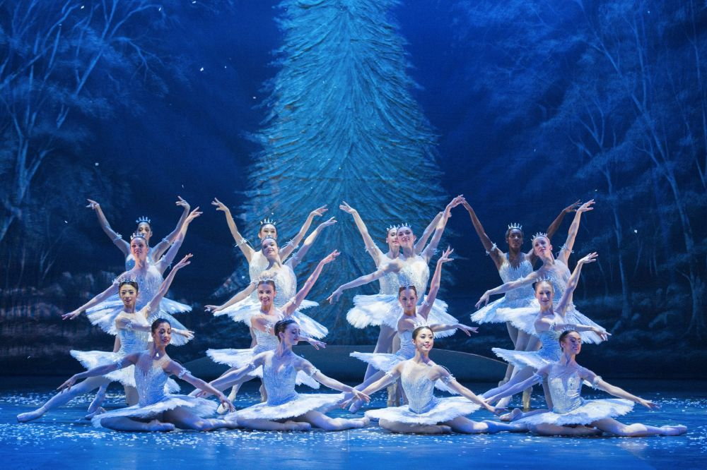 Dancers of English National Ballet as Snowflakes - photo by ASH