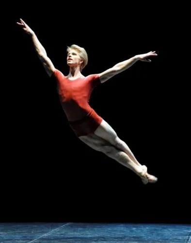 Marijn Rademaker in Forsythe's The Vertiginous Thrill of Exactitude - photo by Stuttgart Ballet