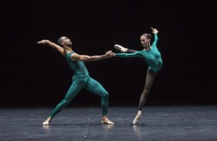 "Viktorina Kapitonova and Manuel Renard in ""In the Middle, Somewhat Elevated"" - photo by Gregory Batardon, Ballett Zürich"