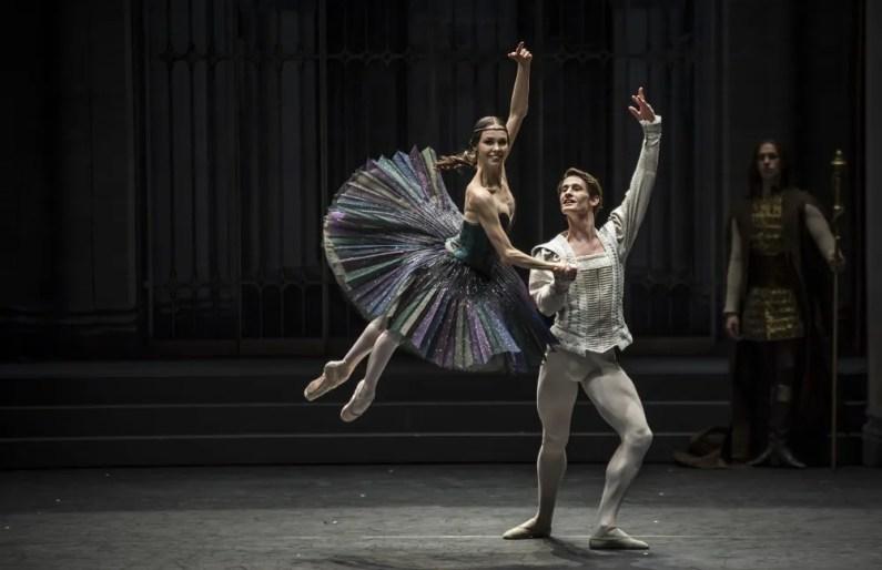 Viktorina Kapitonova as Odile in Ratmansky's reconstruction of Swan Lake - photo by Carlos Quezada, Zurich Ballet