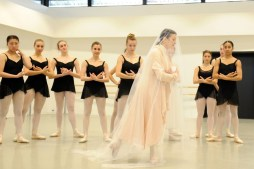Carla Fracci coaching ESDCM Rosella Hightower students in Giselle - photos by Nathalie Sternalski 32