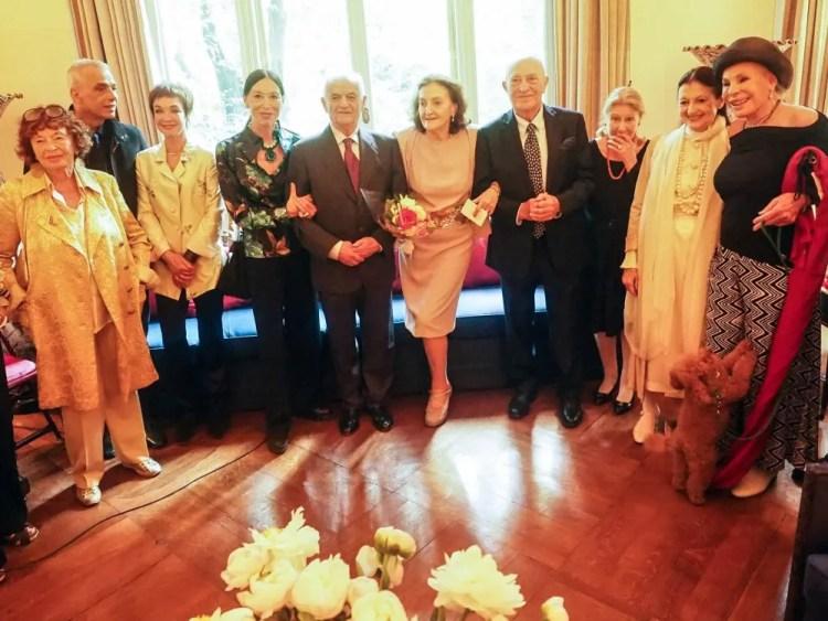 Amici della Scala, from left Inge Feltrinelli, Gheorghe Iancu, Oriella Dorella, Luciana Savignano, Ferruccio Soleri, Anna Crespi, Arnaldo Pomodoro, Giulia Lazzarini, Carla Fracci and Ornella Vanoni