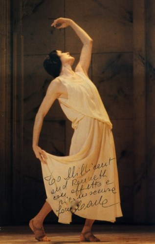 Carla Fracci in Hodson and Archer's Hommage to Isadora Duncan