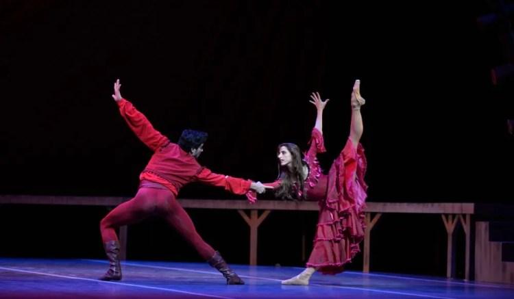 Carmen with Sergio Muzzio and Maria Riccetto - photo by Amalia Pedreiras, BNS   Ballet Nacional Sodre
