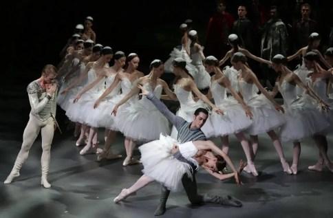 Nicoletta Manni, Timofej Andrijashenko, and Christian Fagetti as Benno photo by Brescia e Amisano, Teatro alla Scala 2016