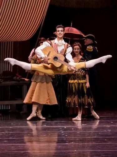 Davide Dato in Don Quixote, © Wiener Staatsballett, Ashley Taylor