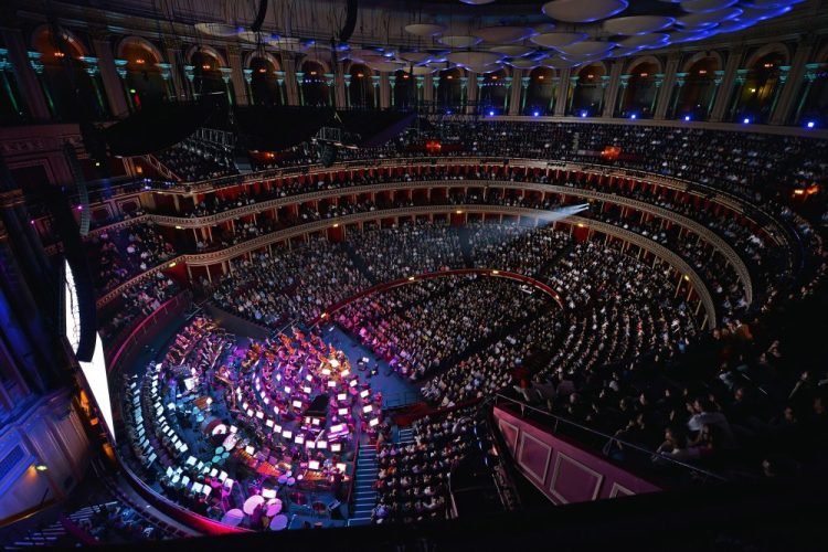 THE ROYAL ALBERT HALL © Paul Sanders