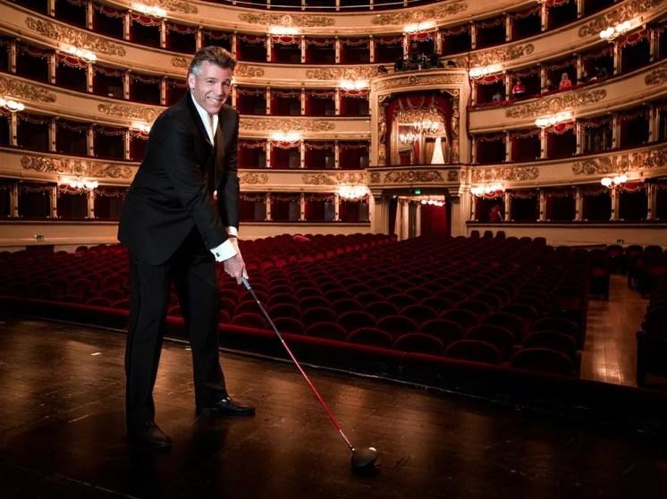 Thomas Hampson plays golf at La Scala, photo by Chris Singer