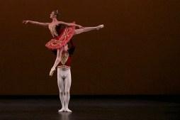 Isabelle Brouwers and Emilio Pavan performing Paquita © Dasa Wharton