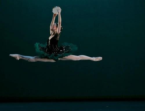 Rina Kanehara in the Esmeralda pas de deux © Dasa Wharton 02