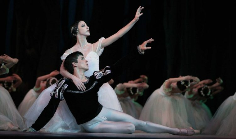 Anette Delgado and Dani Hernandez in Giselle, photo by Nancy Reyes