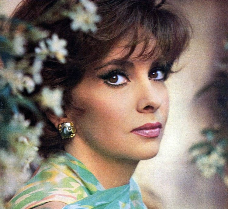 Gina Lollobrigida, photo by Chiara Samugheo (Radiocorriere) 1965