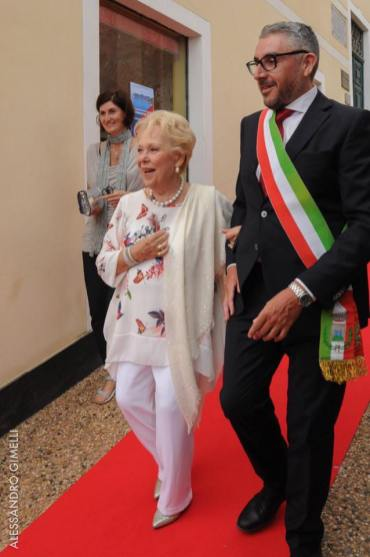Renata Scotto with the Mayor, Alessandro Oddo photo by Alessandro Gimelli 3