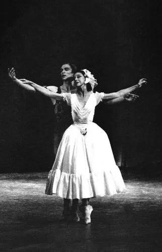 Rudolf Nureyev and Margot Fonteyn in Le Spectre de la rose