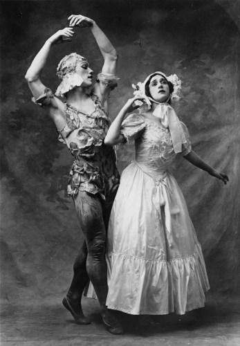 Tamara Karsavina and Vaslav Nijinsky in Le Spectre de la rose