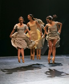 Akram Khan's Giselle, English National Ballet, © Dasa Wharton a02