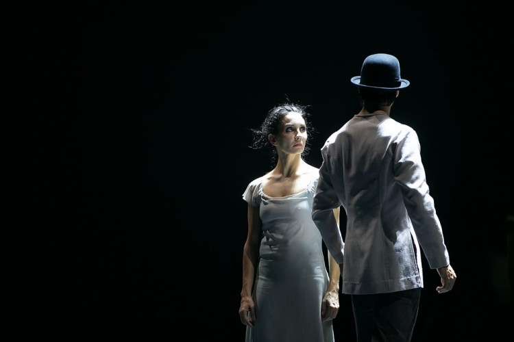 Akram Khan's Giselle, English National Ballet, © Dasa Wharton a10