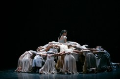 Akram Khan's Giselle, English National Ballet, © Dasa Wharton a16