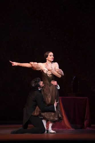 Thiago Soares and Marianela Nunez in Onegin, ©ROH, Bill Cooper, 2013