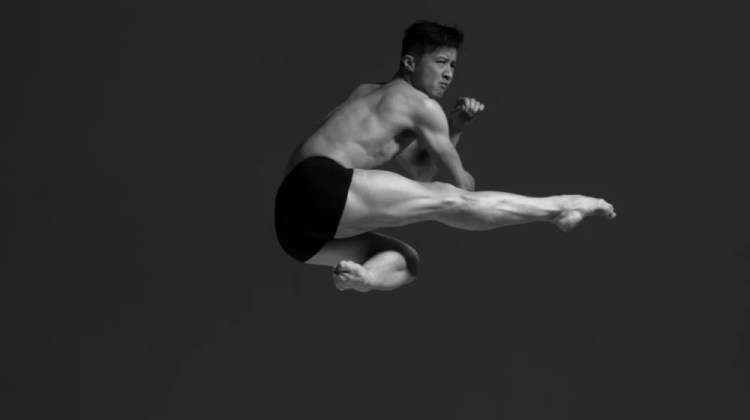 'extension', a project to slow time in dance – stunning video clips from Niv Novak