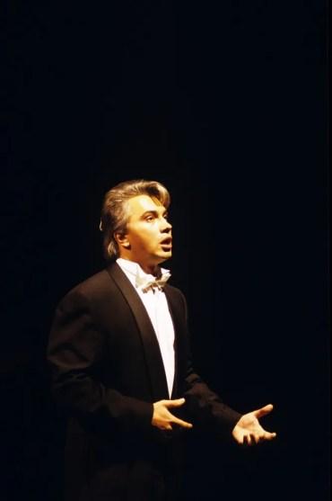Dmitri Hvorostovsky, La Scala recital 23 November 1992, photo by Lelli e Masotti 2