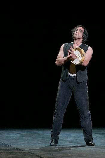 JINGLING FROM THE ZILLS, Performed by lrek Mukhamedov, Choreography Arthur Pita by Dasa Wharton