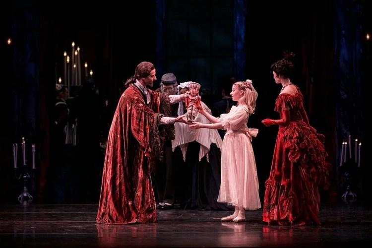 The Nutcracker, Birmingham Royal Ballet, photos by Dasa Wharton 02