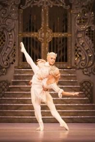 The Nutcracker. Alexander Campbell as The Prince and Francesca Hayward as The Sugar Plum Fairy. ©ROH 2016. Photo by Helen Maybanks