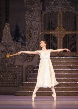 The Nutcracker. Anna Rose O'Sullivan as Clara. ©ROH 2016. Photo by Helen Maybanks (2)