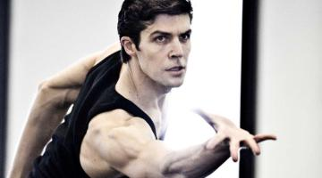 Béjart's Boléro returns to La Scala with Roberto Bolle and others debuting on the red table