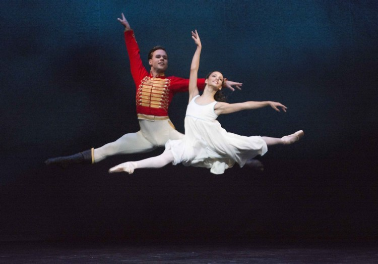 The Nutcracker with Alexander Campbell as The Nutcracker, Francesca Hayward as Clara © ROH, Tristram Kenton, 2013
