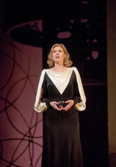 Amanda Majeski as Countess Almaviva in Le nozze di Figaro at The Metropolitan Opera (debut), 2014 © Ken Howard