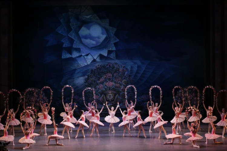 Le Corsaire, in the sentre Nicoletta Manni, photo Brescia e Amisano, Teatro alla Scala 2018