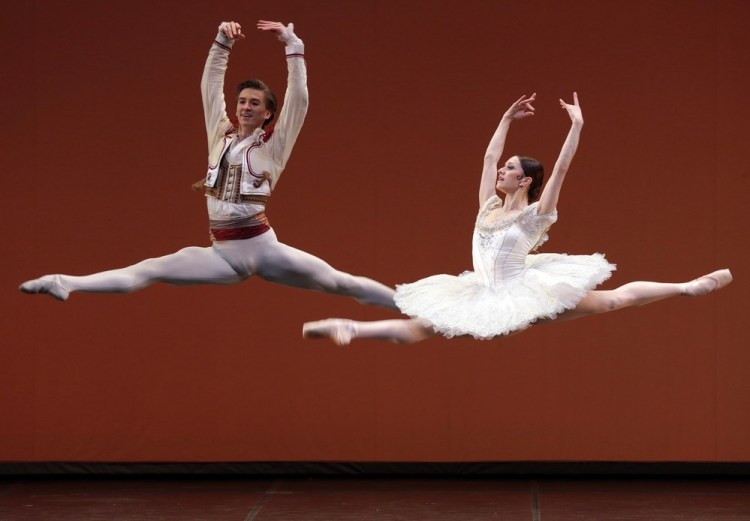 Don Quixote with Marianela Nunez and Vadim Muntagirov, photo by Brescia e Amisano, Teatro alla Scala 02