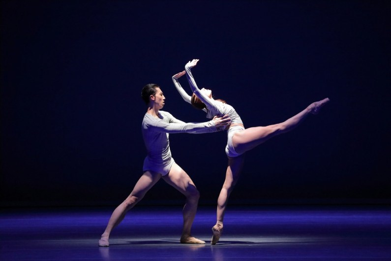 Portrait Wayne McGregor, Borderlands with Jinhao Zhang Freya Thomas © Wilfried Hoesl