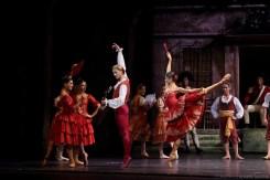 La Scala at the Shanghai Grand Theatre in Don Quixote with Nicoletta Manni and Timofej Andrijashenko, photo © Shanghai Grand Theatre-01