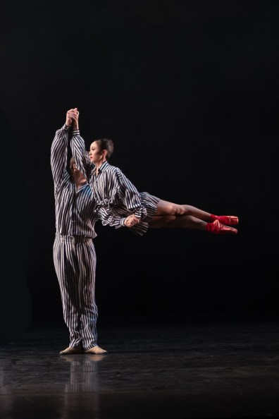 01 In the Upper Room by Twyla Tharp, Miki Mizutani and Feargus Campbell © Dasa Wharton, Birmingham Royal Ballet 2018