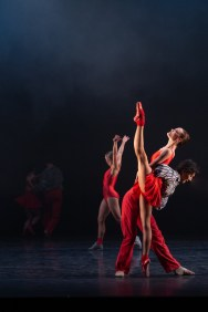 16 In the Upper Room by Twyla Tharp © Dasa Wharton, Birmingham Royal Ballet 2018 11