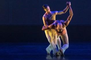 25 Embrace by George Williamson with Brandon Lawrence and Max Maslan © Dasa Wharton, Birmingham Royal Ballet 2018