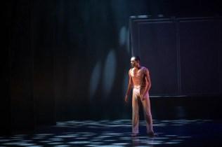 26 Embrace by George Williamson with Brandon Lawrence © Dasa Wharton, Birmingham Royal Ballet 2018 03