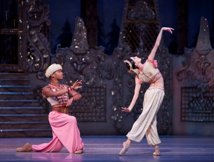 Eric Underwood and Olivia Cowley in The Nutcracker, The Royal Ballet © ROH, Johan Persson, 2009