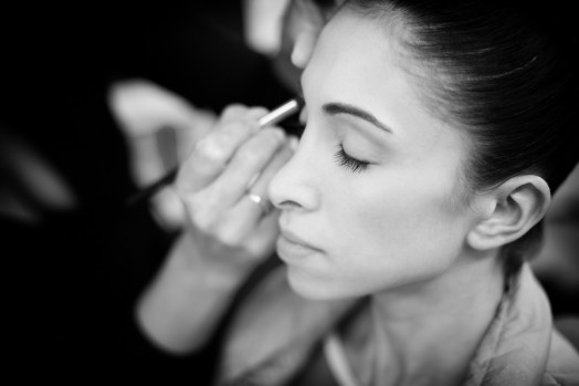 Yasmine Naghdi prepares for Gamzatti, photo by Dasa Wharton 01